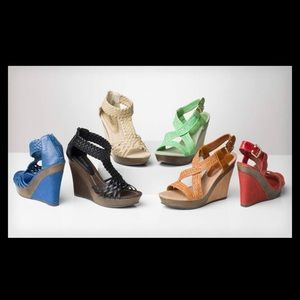 Bucco Wedge Shoe